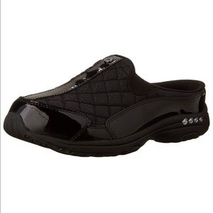 Easy Spirit Traveltime women's 9 1/2 Medium Shoes